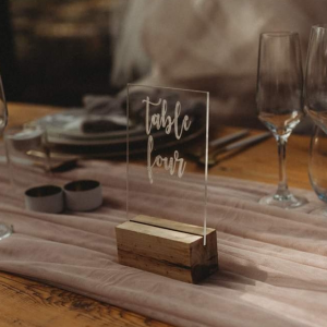 UNDERPLATES, TABLE NUMBERS & SIGNS